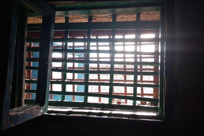 Задуха у камерах та жорстоке поводження з в'язнями: що виявили під час перевірки у Шепетівській колонії