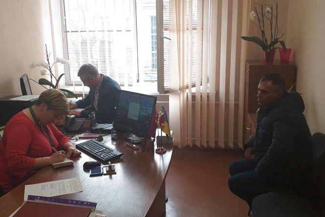У Хмельницькому затримали нелегального мігранта з Таджикистану