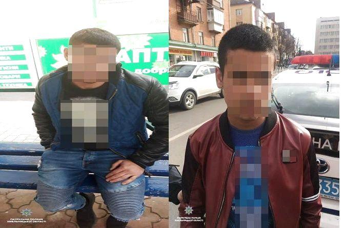 Патрульні спіймали юнаків, які у маршрутці поцупили телефон у хмельничанки