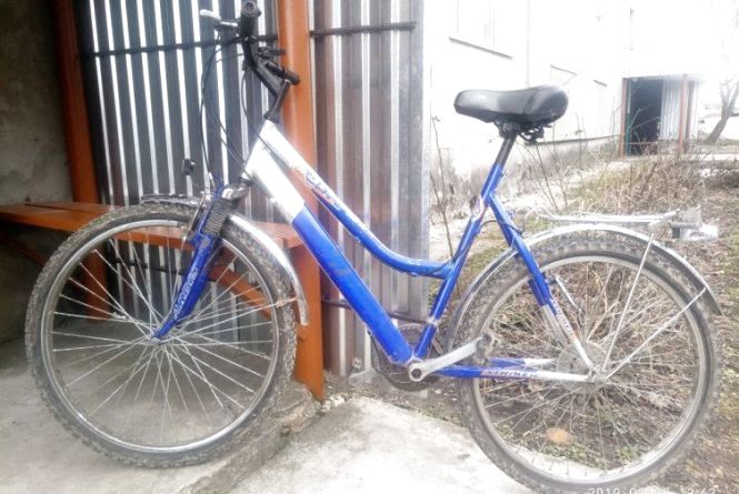 У Чемерівцях затримали злодії, які крали велосипеди з під'їздів будинків