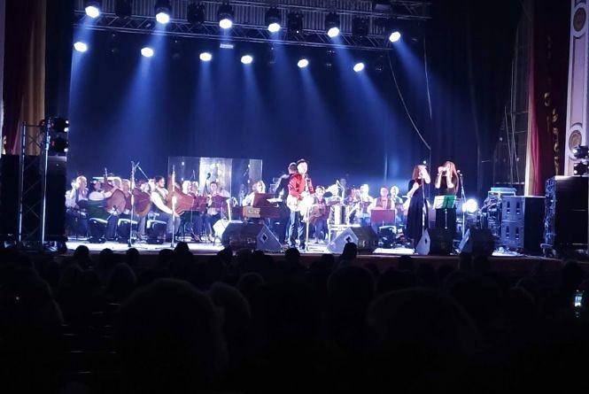 Чим дивували хмельничан Олег Скрипка і оркестр НАОНІ