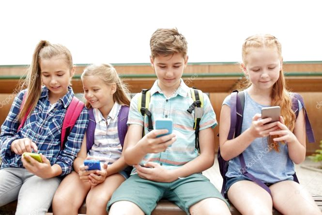 Дитинство у смартфонах: лайфхак від хмельницької мами і поради психолога