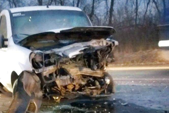 """Смерть на дорозі: неподалік Хмельницького загинув водій """"Fiat"""""""