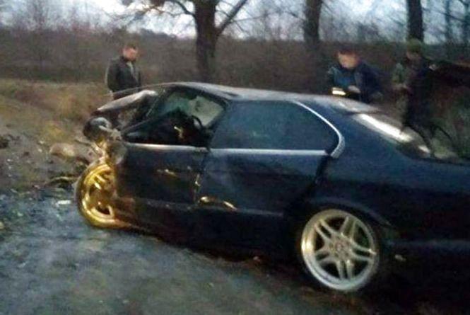 Вискочив на зустрічку та зіткнувся з BMW: деталі смертельної ДТП неподалік Хмельницького