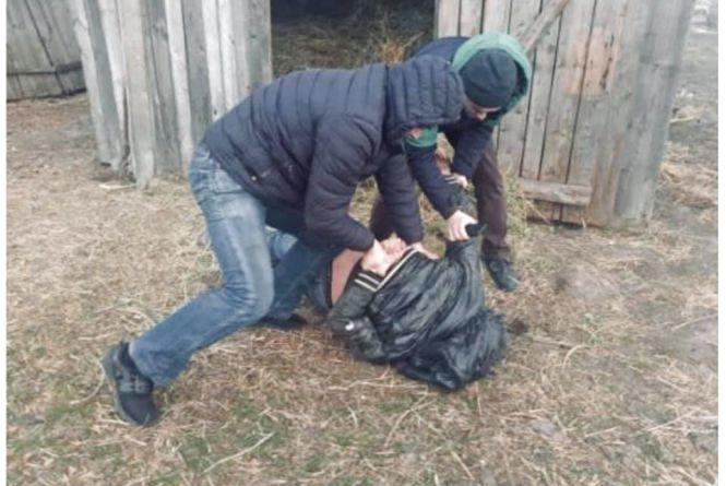 На Хмельниччині чоловік зґвалтував маленьку дівчинку