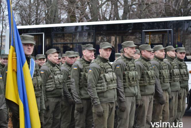 У Хмельницькому відзначили річницю створення Нацгвардії: пройшлися маршем та показали військову техніку