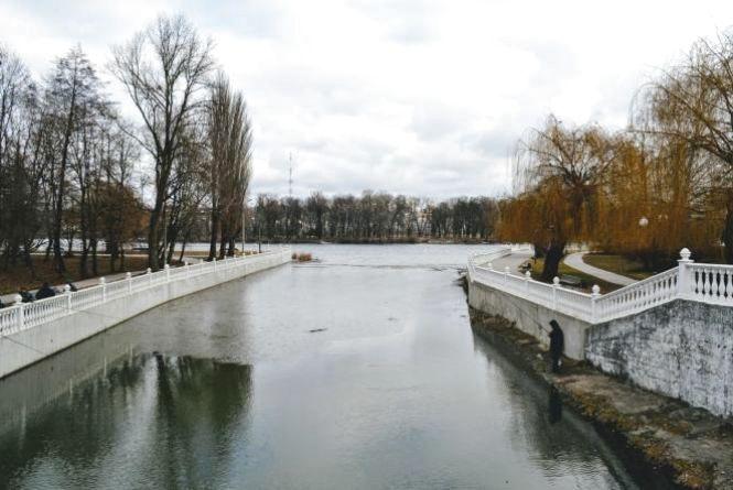 Сніг, сильний вітер та похолодання: синоптик дала прогноз українцям на 27 березня
