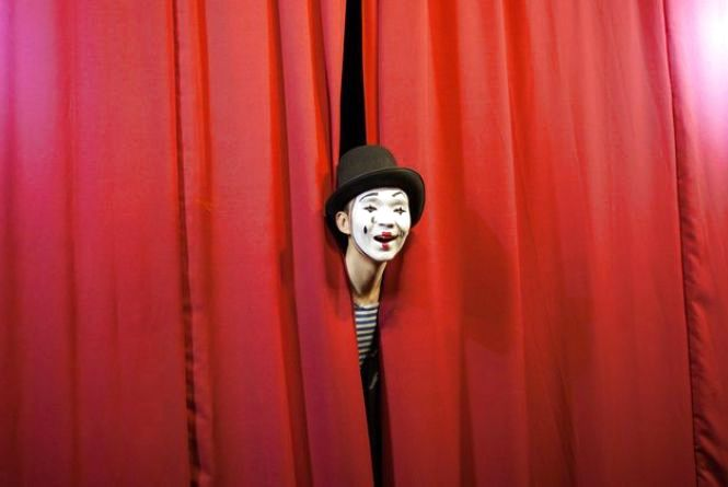 27 березня — День театру