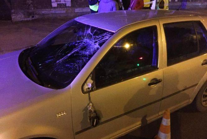 У Хмельницькому Volkswagen збив 18-річного хлопця (ВІДЕО)