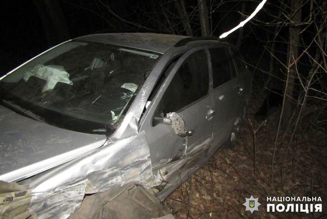 """Біля Дунаївців """"Таврія"""" лоб у лоб влетіла у """"Skoda"""". 28-річний водій помер"""