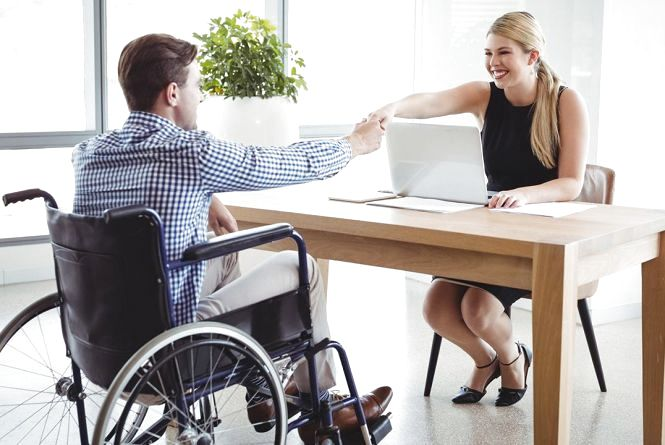 Вакансії тижня у Хмельницькому: найбільші зарплати для людей з інвалідністю