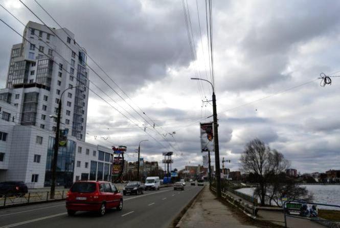 Потепління та грози: прогноз погоди у Хмельницькому на тиждень