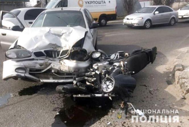 У Хмельницькому не розминулися Daewoo та мотоцикл (ФОТО, ВІДЕО)