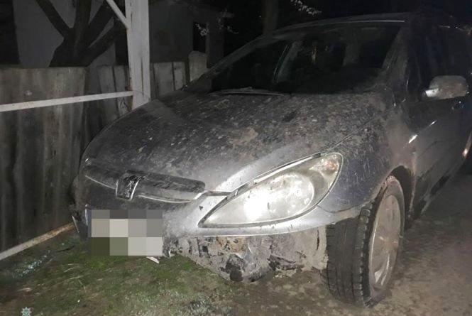 Хмельницькі патрульні спіймали п'яного чоловіка на краденому авто