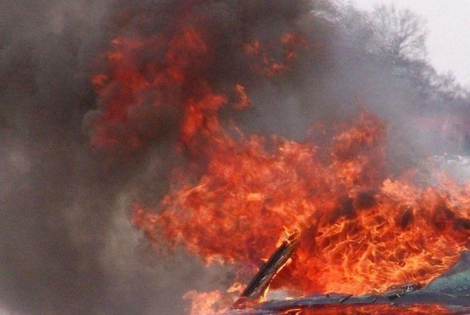 У Гречанах невідомі підпалили Ford