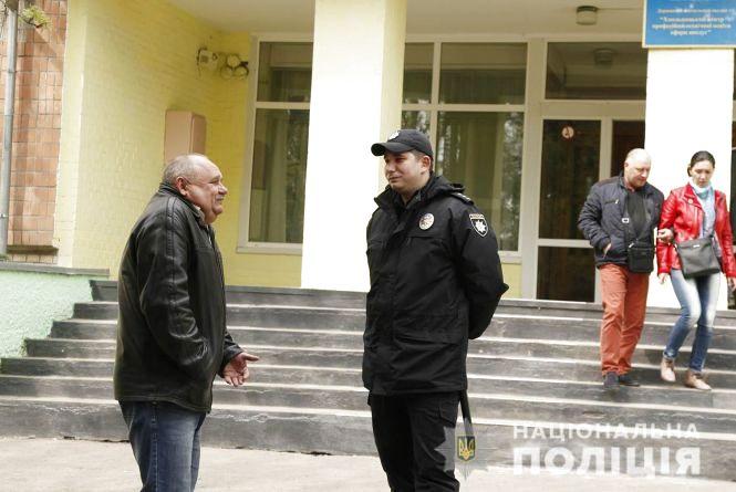 Мешканець Хмельниччини заплатить штраф за селфі з виборчим бюлетенем