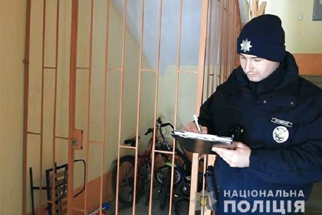 """У Хмельницькому засудили бандитів, які """"обчистили"""" понад два десятки квартир"""