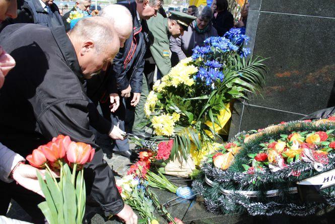У Хмельницькому вшанували ліквідаторів Чорнобильської катастрофи
