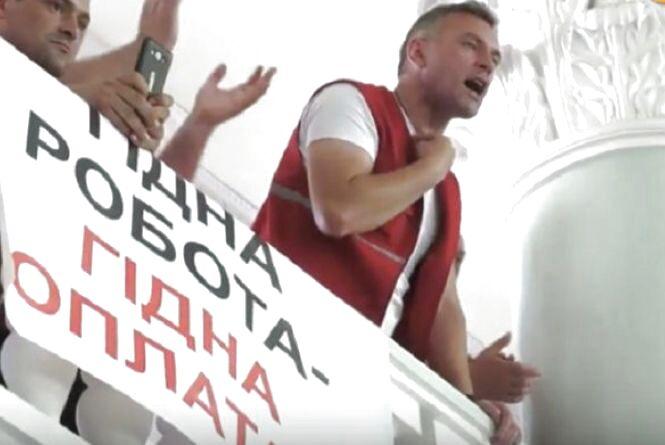 """Результат бунту в Хмельницькому: скільки заплатили водіям """"швидких"""" у липні"""