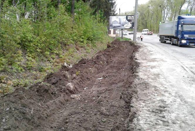 На Старокостянтинівському шосе облаштують тротуар за 1,73 мільйона гривень