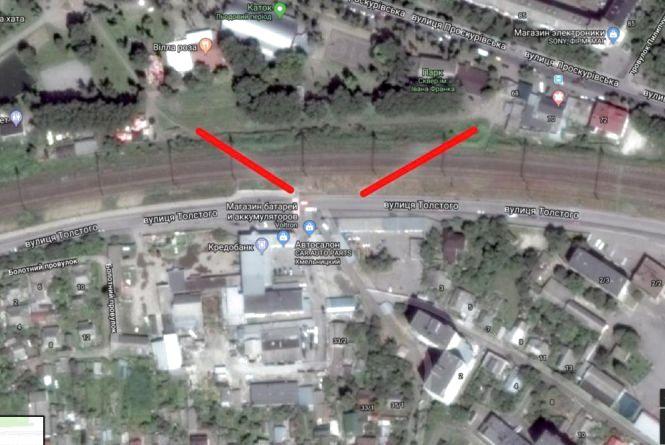 Хмельничанин Євгеній просить облаштувати перехід через залізничні колії на вулиціТолстого