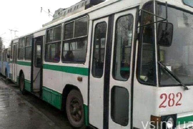 Два дні поспіль у Хмельницькому курсуватимуть додаткові нічні тролейбуси