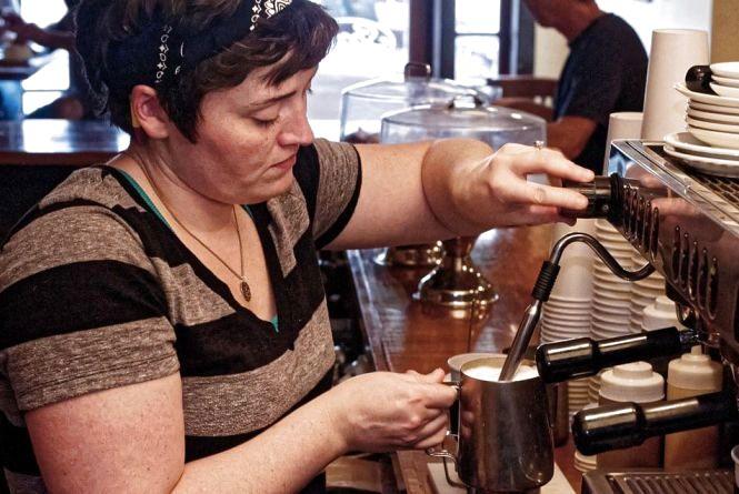 Професія бариста: скільки пропонують за приготування кави у Хмельницькому