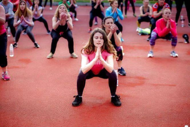 """Проект """"Fitness City"""": щосуботи для хмельничан проводять безкоштовні тренування просто неба"""