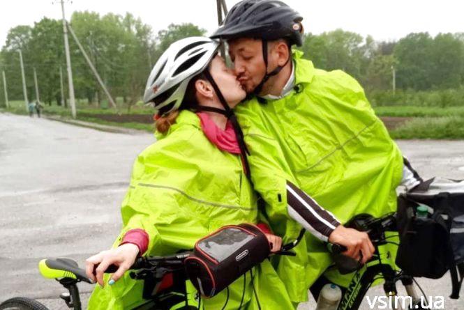 Пара закоханих із Хмельницького проїде на велосипеді 7 тисяч кілометрів