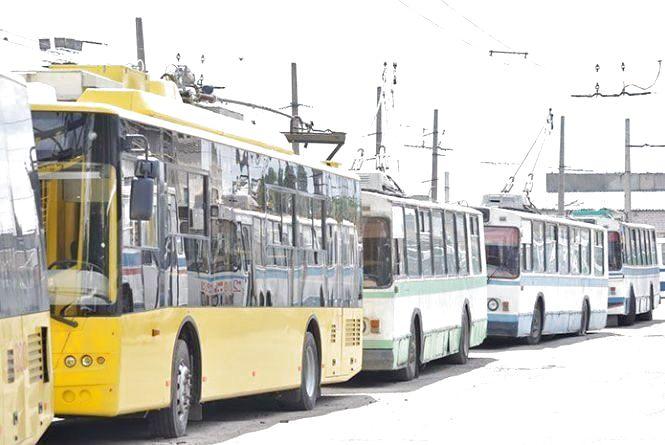 В понеділок у Хмельницькому кілька тролейбусів змінять напрямок руху