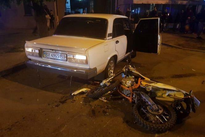 Нічна ДТП у Хмельницькому: водій мотоцикла в лікарні