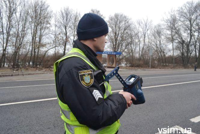 Хмельницькі патрульні тепер ловитимуть порушників швидкісного режиму на трасі Житомир — Чернівці