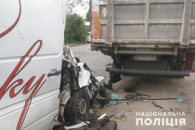 Моторошна ДТП на Хмельниччині: загинув 53-річний чоловік