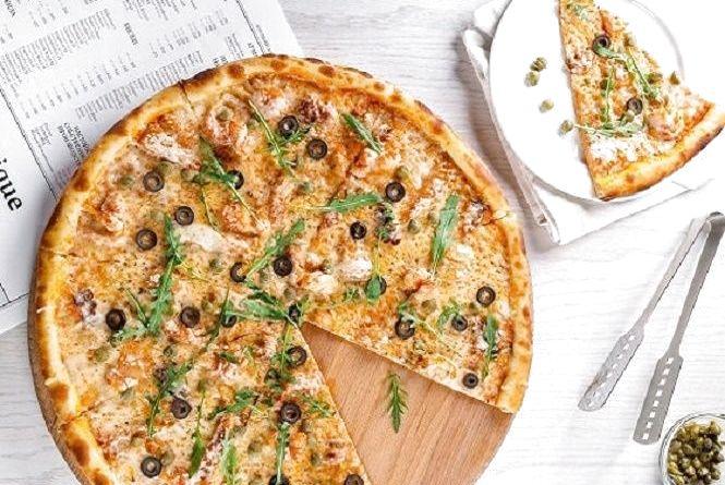 Смачний сніданок: готуємо піцу на пательні