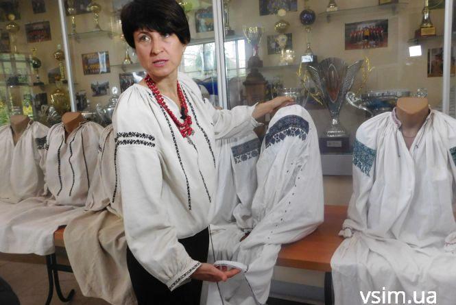 Хмельничанка має колекцію вишиванок. Найстарішій - 100 років