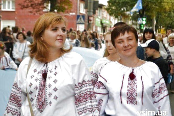 Через негоду в Хмельницькому скасували захід до Дня вишиванки