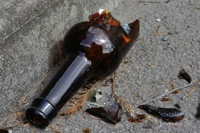 У Волочиську 22-річному хлопцю проломили череп пляшкою