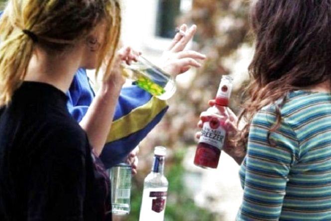 Два десятки хмельницьких підприємців втратили ліцензії, бо продавали алкоголь дітям