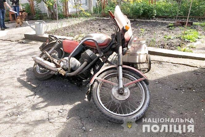 20-річний хмельничанин вкрав мотоцикл свого друга