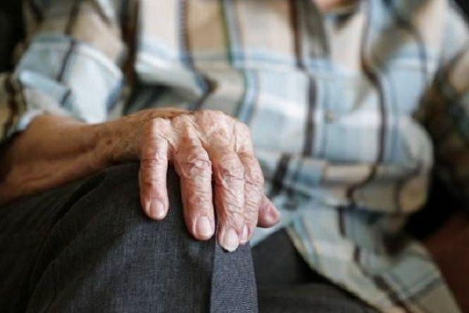 На Хмельниччині судитимуть чоловіка, який зламав ребра пенсіонеру