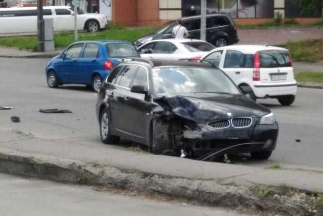 У Хмельницькому біля речового ринку не розминулися  Daewoo та BMW (ФОТО)