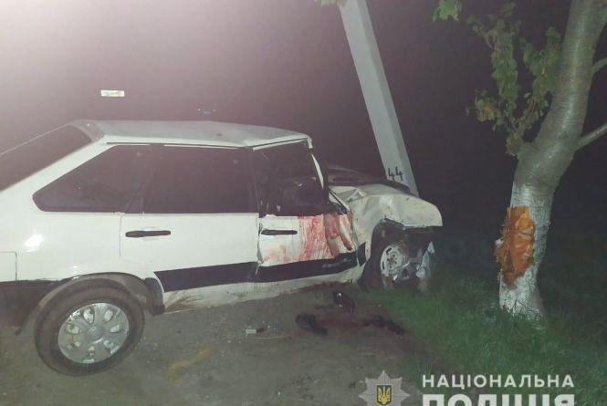 ВАЗ влетів у стовп. На Хмельниччині у страшній ДТП загинув 23-річний хлопець
