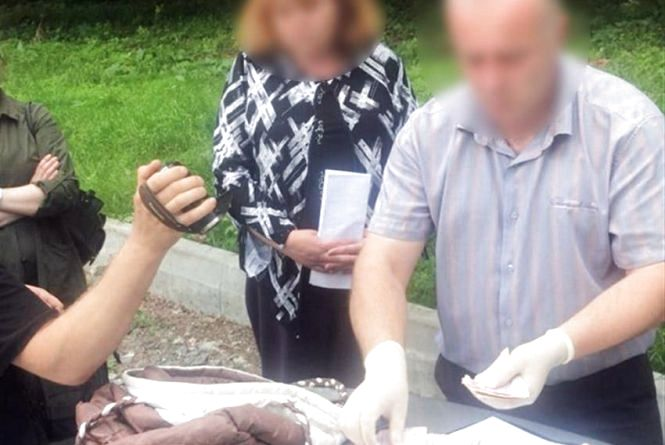 Секс-рабство за сорок тисяч: хмельничанка хотіла здати в бордель неповнолітню доньку