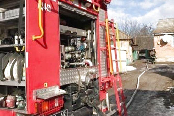 На Хмельниччині підпалили будинок з людиною всередині