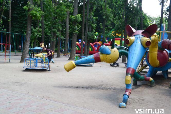 У сквері Шевченка дитячий майданчик оновлять за 3,3 мільйона гривень
