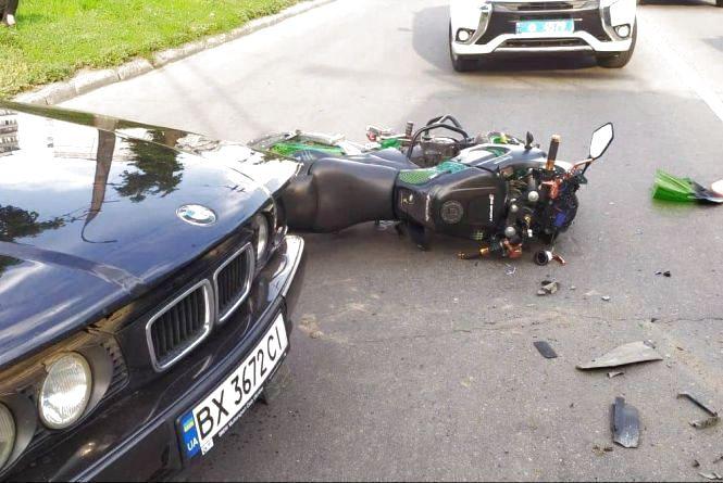 Потрощені легковики та постраждалі пасажири маршрутки: хроніка ДТП у Хмельницькому