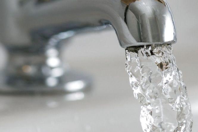 Виставка і Озерна на 7 годин залишаться без води