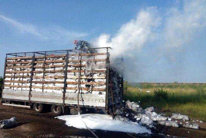 На Хмельниччині горіла вантажівка