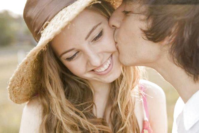 6 липня – Всесвітній день поцілунків