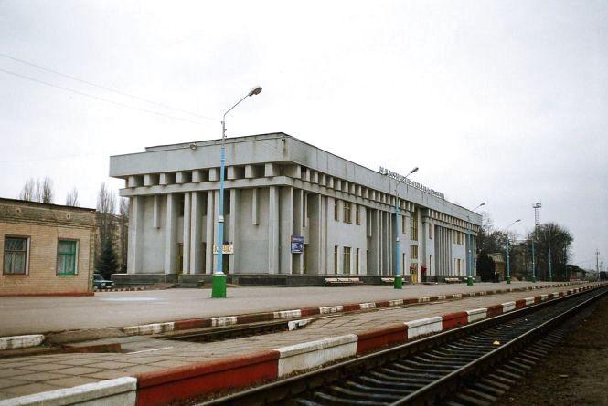 У Кам'янці-Подільському затримали чоловіка, який напідпитку «замінував» залізничний вокзал